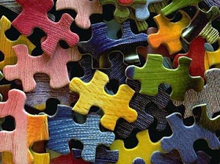 Ideas for using old puzzle pieces: Puzzles Pieces, Carts Challenges, Favorite Things, Toys, Blocks Parties, Parties Ideas, Soft Drinks, Blog, Jigsaw Puzzles