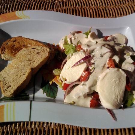 Egy finom Mozzarellás saláta ebédre vagy vacsorára? Mozzarellás saláta Receptek a Mindmegette.hu Recept gyűjteményében!