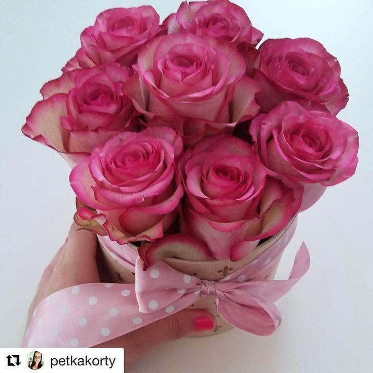 #Repost @petkakorty  MDŽ Nesklamal...Ďakujem  Sviatok pre niektorích ktorí zabúdajú počas roka na svoje ženy  Pekný deň ženy #mdz #flowers #women #dar #jedinecnezeny od @kvetysilvia