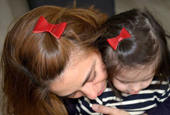 Zo moeder zo dochter haarclips rode strik leer door NHLdesign