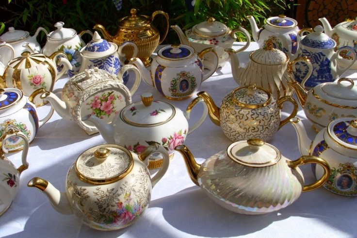 We have lots of teapots in our shop. Check out our website teapots4u.com or brainbrews.com