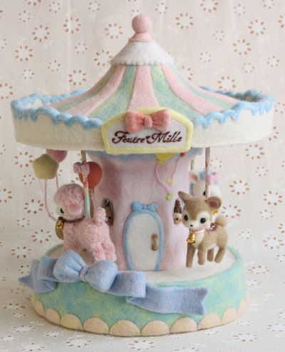 Pastel needle felted carousel - AMAZING!!                                                                                                                                                                                 もっと見る