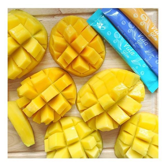 Australian Summer Essentials ☀️ Fresh Mangoes & Vida Glow via @nourish_naturally #Summer #Mango #VidaGlow #MarineCollagen #HealthyHair #Skincare #StrongNails #InnerGlow #Plump #Complexion #Radiant #Sexy #Vibrant #Smoothie #NiceCream #Dietitian #Nutrition #Delicious