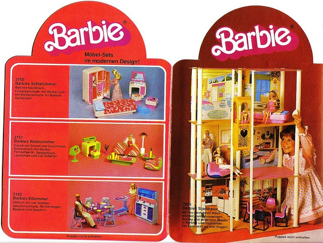 I Wanted A Barbie Dream House Soooo Badly!