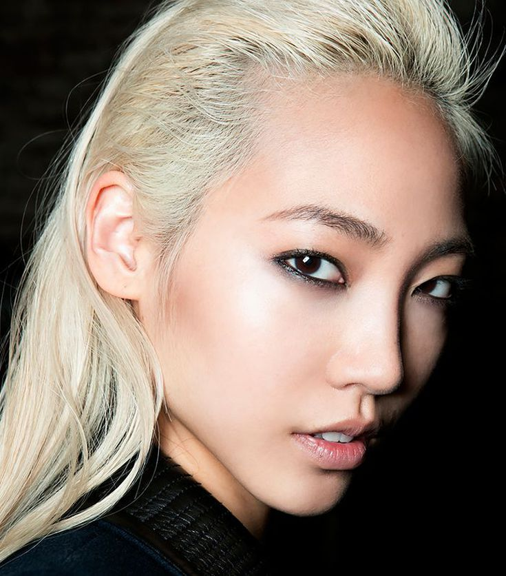 10 Pro Eye Makeup Tricks Every Asian Woman Should Know Asian Makeup Looks Asian Eye Makeup Makeup Tips