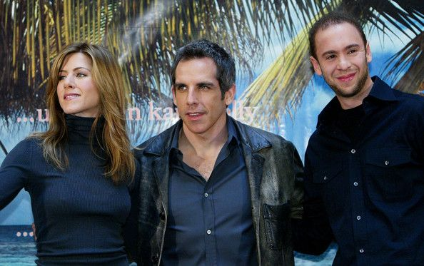 """Jennifer Aniston Photos - Actress Jennifer Aniston, actor Ben Stiller and director John Hamburg attend the German photocall for the new film 'Along Came Polly' on February 14, 2004 at the Adlon Hotel, in Berlin, Germany. - Berlin: """"Along Came Polly"""" Photocall"""