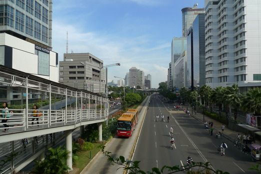 Transjakarta is the only transportation allowed to pass along Jl. Sudirman and Jl. Thamrin during car-free day. Photo by...