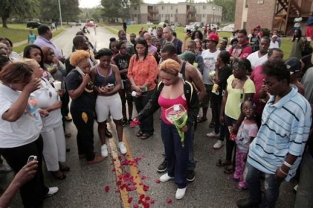 Missouri Community Outraged After Unarmed Teen Shot Dead By Police