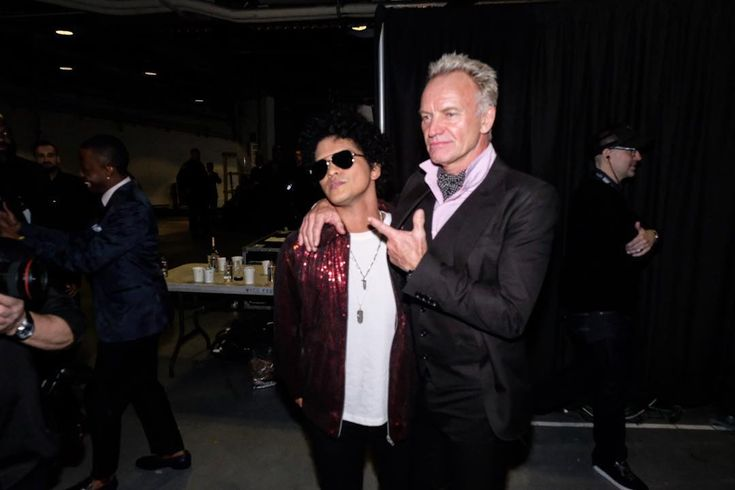 CBS (@cbstv) Instagram「There is 24K in the air when @theofficialsting and @brunomars are at the #GRAMMYs ✨」