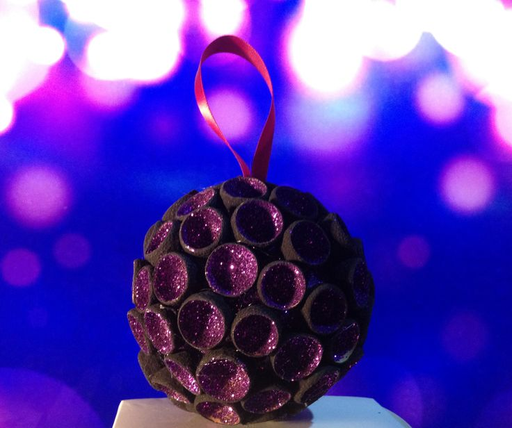 Boule de Noël noir et violet