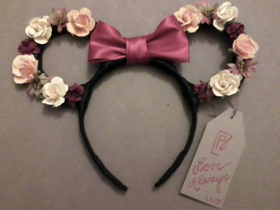 This listing is for one Minnie Mouse Floral Ear Headband. This style headband features OUTLINED ears made of floral decals with Minnie Mouses red
