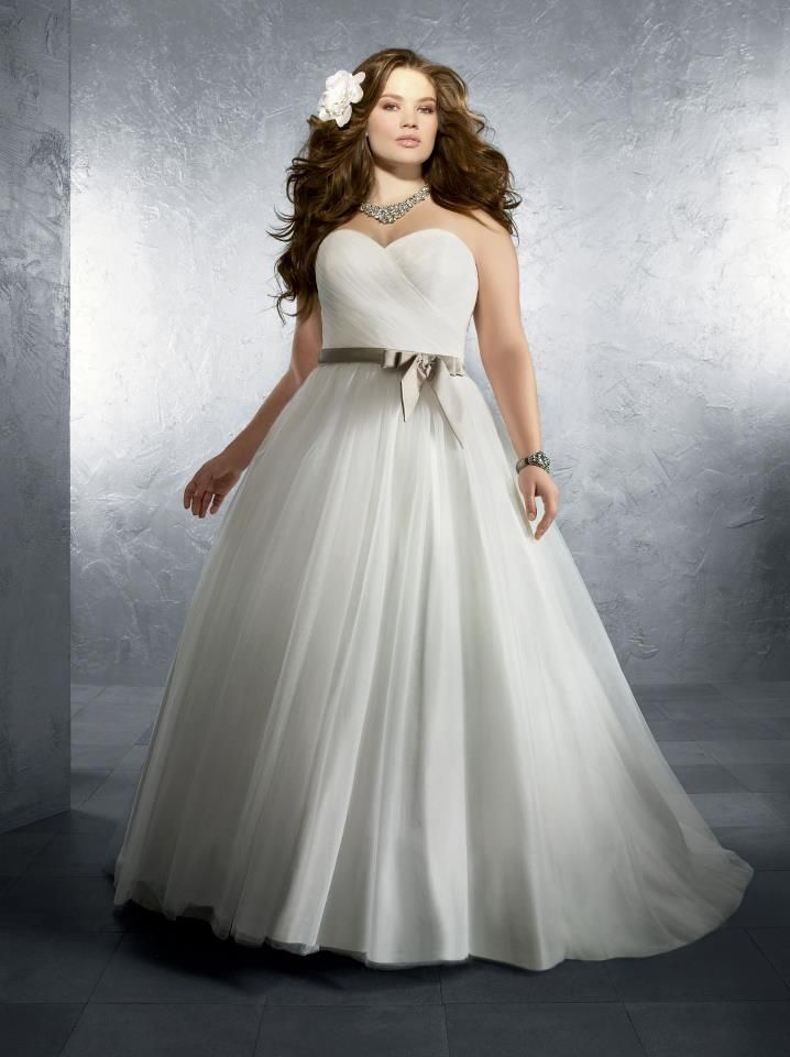 Perfect Alfred Angelo W Plus Size wedding dress