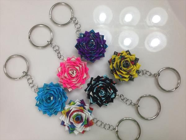 DIY Duct Tape Flower Keychains | 101 Duct Tape Crafts