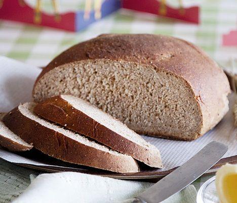 Itse tehty piimälimppu maistuu taivaalliselta. Piimälimppu on myös loistava tuliainen ja ruokalahja erityisesti joulun aikaan. Katso ohje!