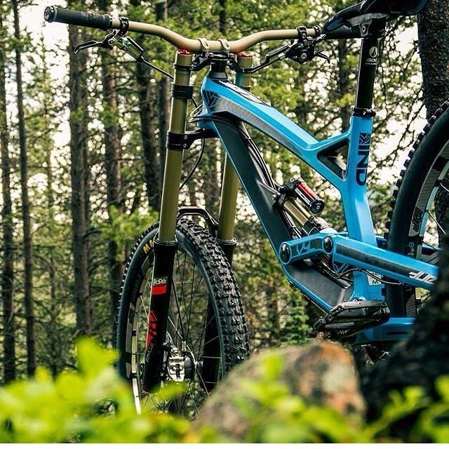 @downhill_mtb_is_awesome