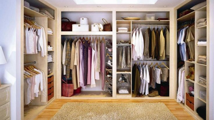 6 ways towards a lean and manageable wardrobe. Image Courtesy of Caspionet.com
