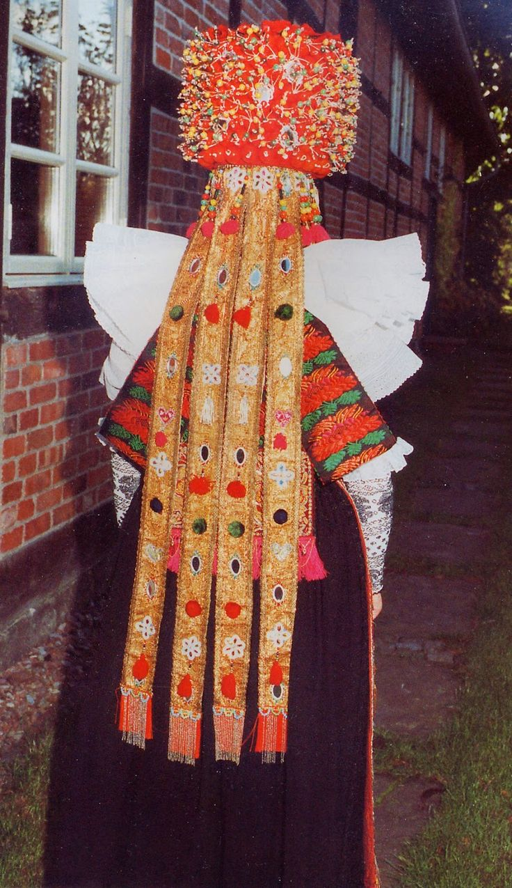 Bride from Lindhorst and vicinity, Schaumburg, Lower Saxony, Germany #Oesterten
