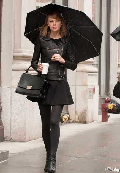 Taylor Swift Street Style | Circlelensdiary.com | Authentic Korea Circle Lens. Online Circle Lens Store.