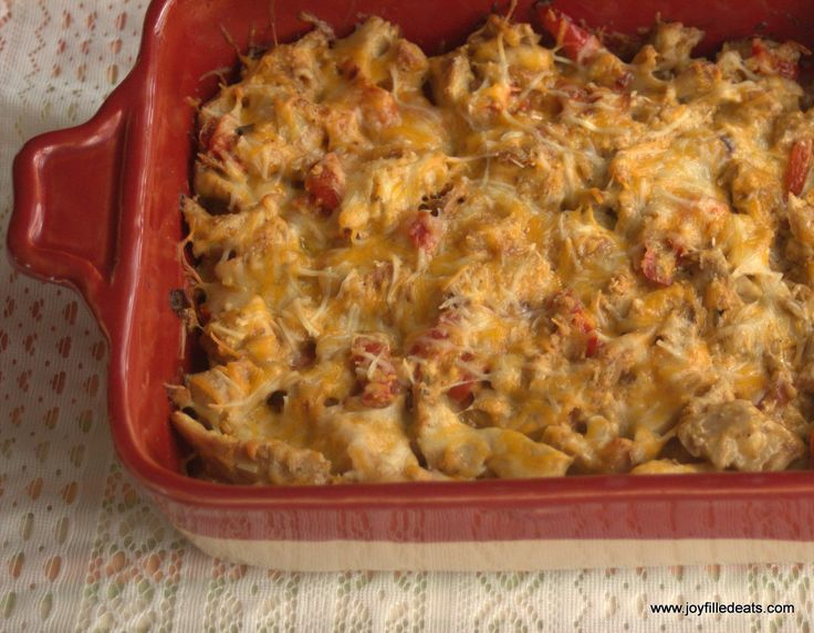 Fajita chicken, onions, and peppers baked in a creamy cheese sauce? This may be my favorite casserole yet. Low carb, grain & gluten free, THM S.