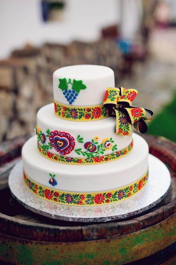 Svatební doert na tradiční vesnickou veselku s folklorními motivy.
