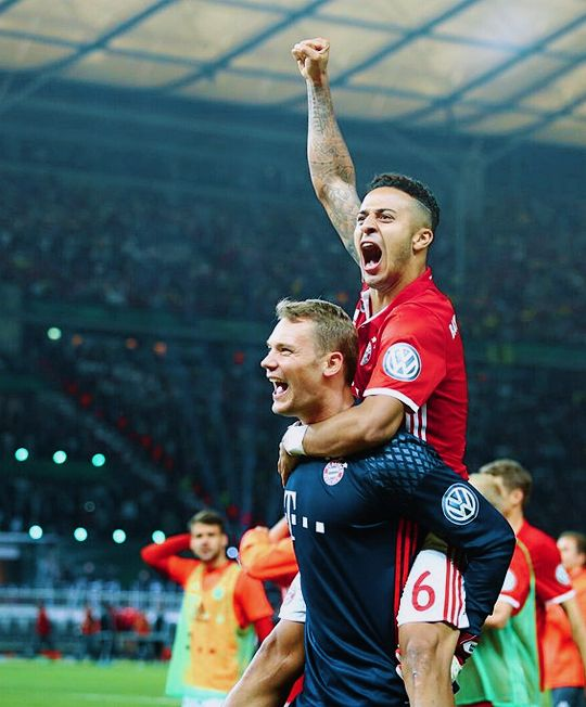 Manuel Neuer and Thiago Alcantara