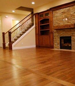 to help imagine wooden cabinets with lighter wood flooring esp next to fireplace - Geflschte Hartholzbden Ber Teppich