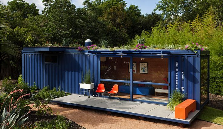 A blue container turned into a summer house