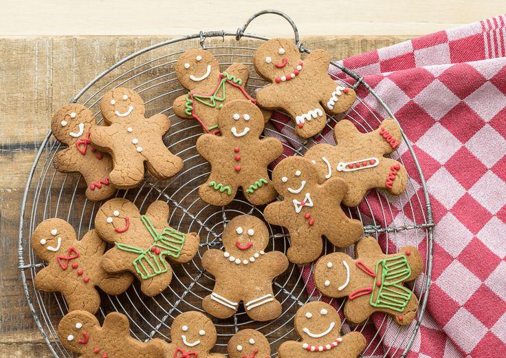 Een handig en vooral lekker recept om zelf Gingerbread koekjes te maken. Je maakt ze van Zelfrijzend Bakmeel en kruiden. Dit recept is voldoende voor 20 gingerbread mannetjes