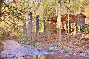 The Oakview cabin rental in Gatlinburg in the fall