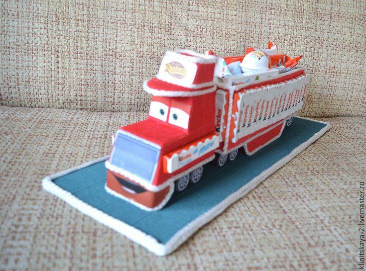 Купить Букет, машина из конфет, грузовик Мак тачки из киндер шоколада. - торт из конфет