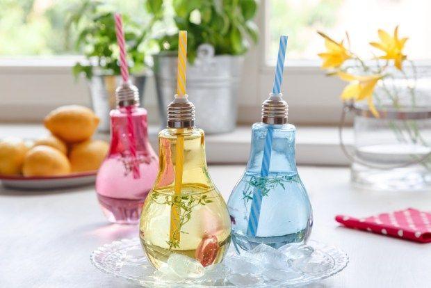 Objevili jste na našem e-shopu nové sklenice ve tvaru žárovek? Teď k nim pro vás máme recept na tymiánovou limonádu.