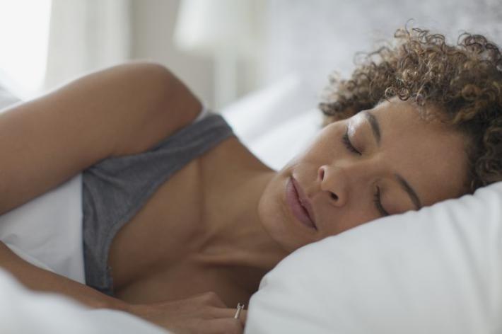 Altijd moe? Deze 8 dingen zorgen voor een betere slaap!