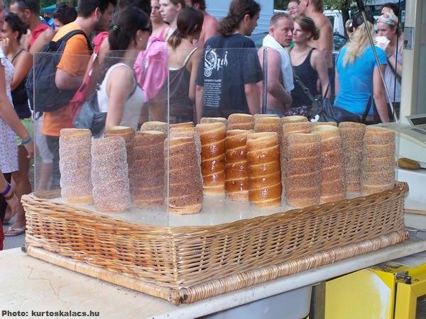 49 best chimney cakes images on pinterest chimney cake for Cuisine hongroise