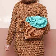 В НАЛИЧИИ Рюкзак Размер 32*31*12 см Цена 950 грн с подкладкой, 850 грн без подкладки Для заказа Viber/direct, 099 28 58 726 #handmade #crocheting #crochetbags #bags #trend2017 #cloutch #i_love_create #madeinukraine #вяжуназаказ #рюкзаккрючком #рюкзакручнойработы #дизайнерскиерюкзаки #рюкзаквналичии #рюкзакназаказ #модныйрюкзак #куплюрюкзак #мода #заказатьрюкзак #украина #киев #подаркиручнойработы #вналичииilovecreate