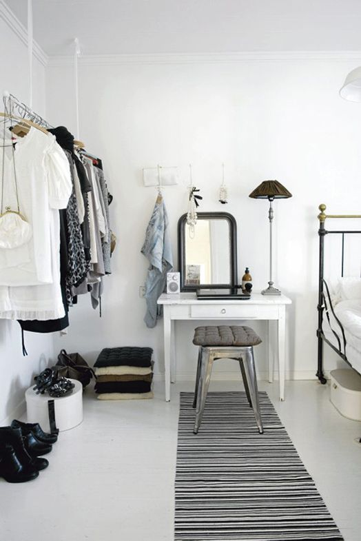 Beautiful black & white bedroom