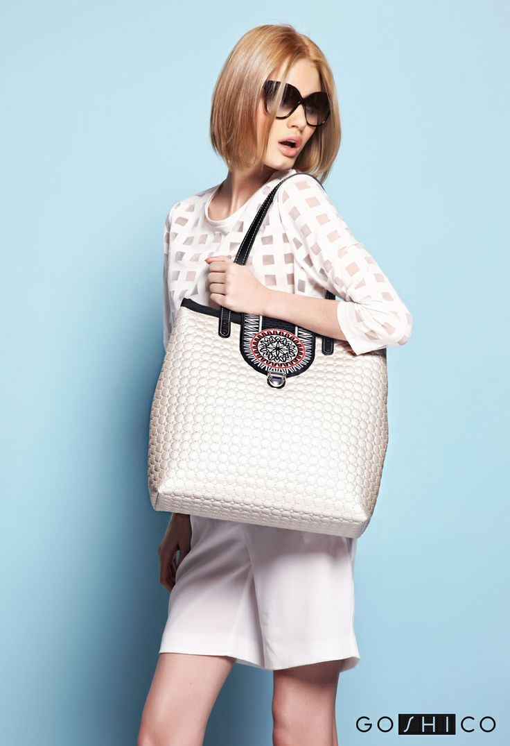 http://goshico.com/en/a-big-shoulder-quilted-bag-with-the-embroidered-flap-astru.html PRICE: 98.04 €