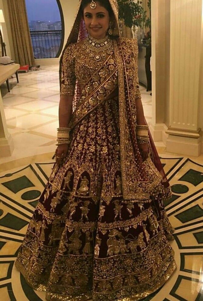 Can't get more regal than this! Head turner for sure! #lehenga #royallehenga…