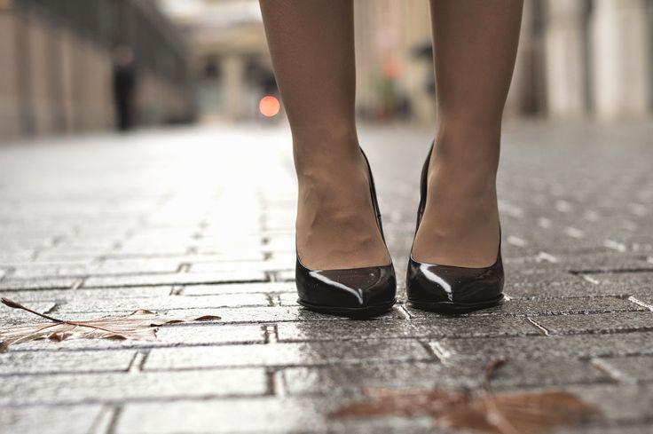 Zapatos de salón negros de piel