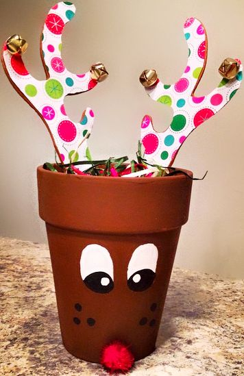 Terra Cotta Pot Reindeer Gift Idea - Fun Christmas craft for kids to make   CraftyMorning.com