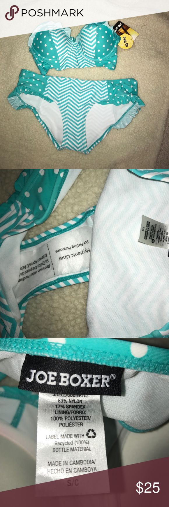 🐠TWO PIECE BATHINGSUIT🐳 Teal and white polka dot and chevron bikini! Never worn, still has the hygiene sticker in the bottoms. Was bought for me a year ago but it didn't fit me. Perfect for the beach! 🦈🐠🐳🌊 it is push up but there isn't a lot of padding in it if that helps anyone who may be questioning the push-up. Swim Bikinis