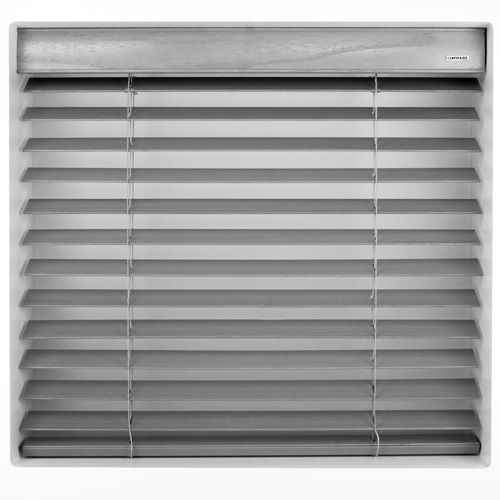 ARCTIC WHITE 12V BATTERY POWERED ELECTRIC WOODEN BLINDS. #WoodenBlinds #controlissblinds #ElectricWoodenBlinds