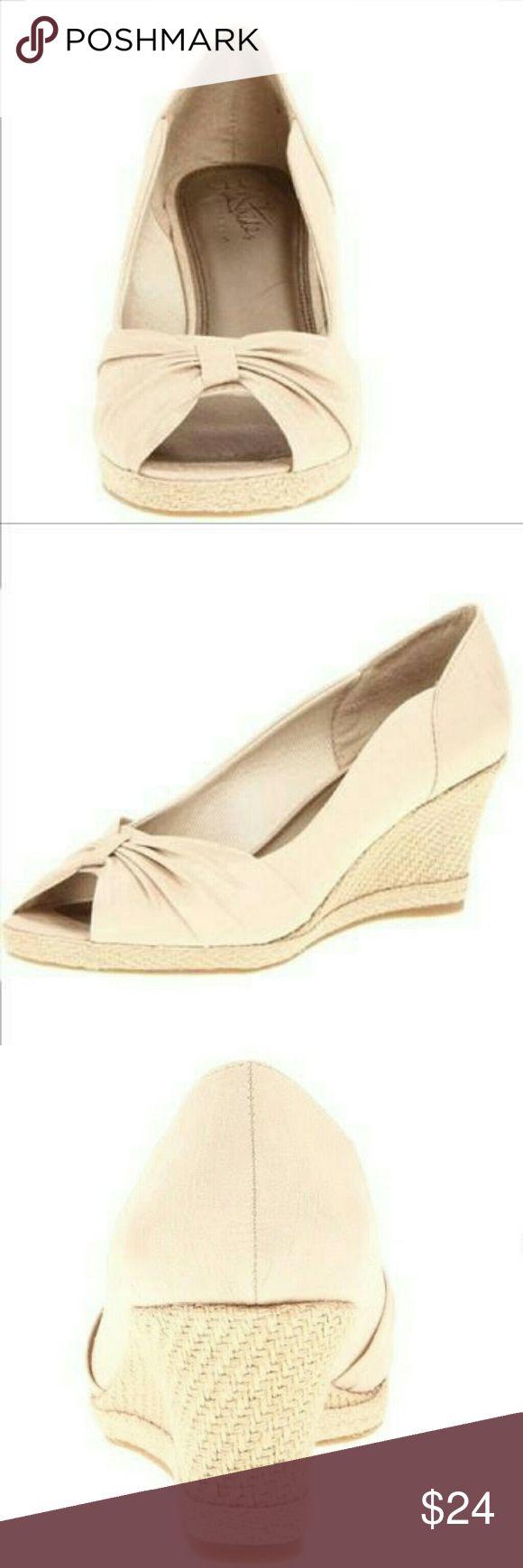 Ladies espidrilles Ladies Espadrilles..... natural ; beige color....trendy wedges. Shoes Espadrilles