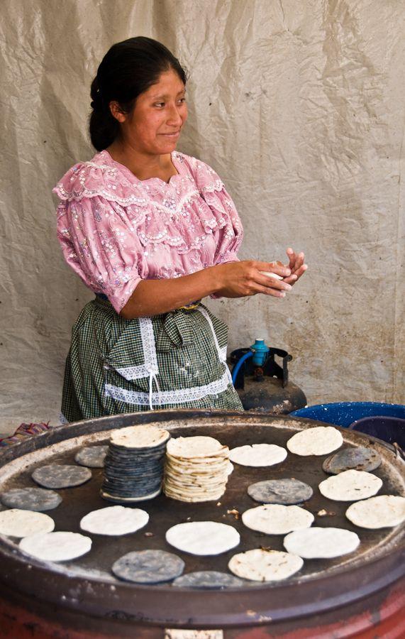 Guatemala, Tortillas | ©2012 Jonathan Galbreath