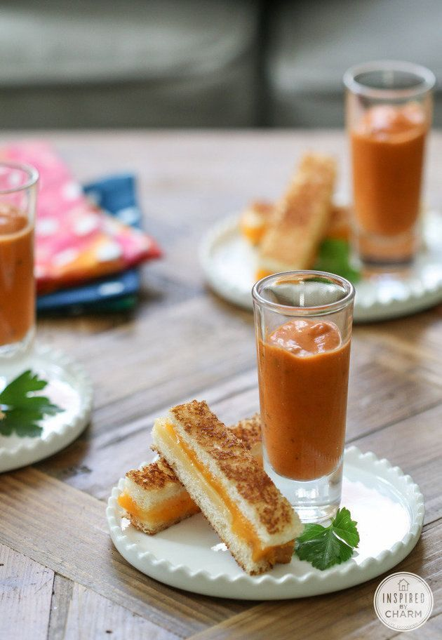 Grilled cheese dippers & tomato soup shots are the ultimate late-night wedding snack