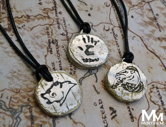 Skyrim Whiterun pendant. This pendant is made from solid pewter by myself, and strung upon a genuine leather black necklace cord. The diameter of the pendant is about 3cm, and is based on Skyrims city of Whiteruns wooden shields (hence the slight lines running through it, mimicking woodgrain and joinery, and also slight battery from usage of it from many an epic battle).  2 really important things to be aware of about this piece is that it is not affiliated with Skyrim and it is not…