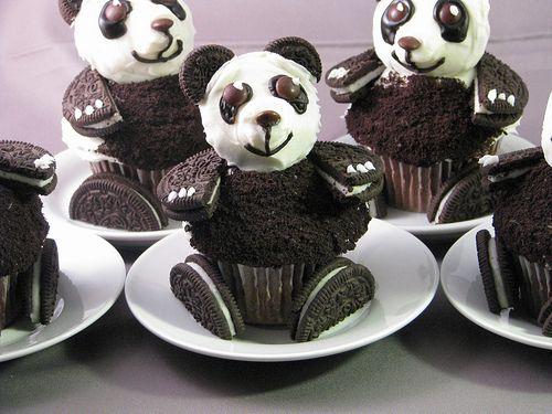 oreo panda cupcakes!
