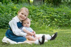 День флага в Швеции: новые портреты принцессы Эстель и принца Оскара http://womenbox.net/stars/den-flaga-v-shvecii-novye-portrety-princessy-estel-i-princa-oskara/    Монархии   День флага в Швеции: новые портреты принцессы Эстель и принца Оскара         Сплетник        4296    6 июня 2016, 22:00  Принцесса Эстель