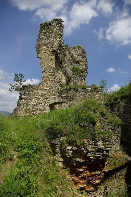 Ruins of the Divin Castle, Slovakia, Novohrad region by Peter Fenďa, via Flickr