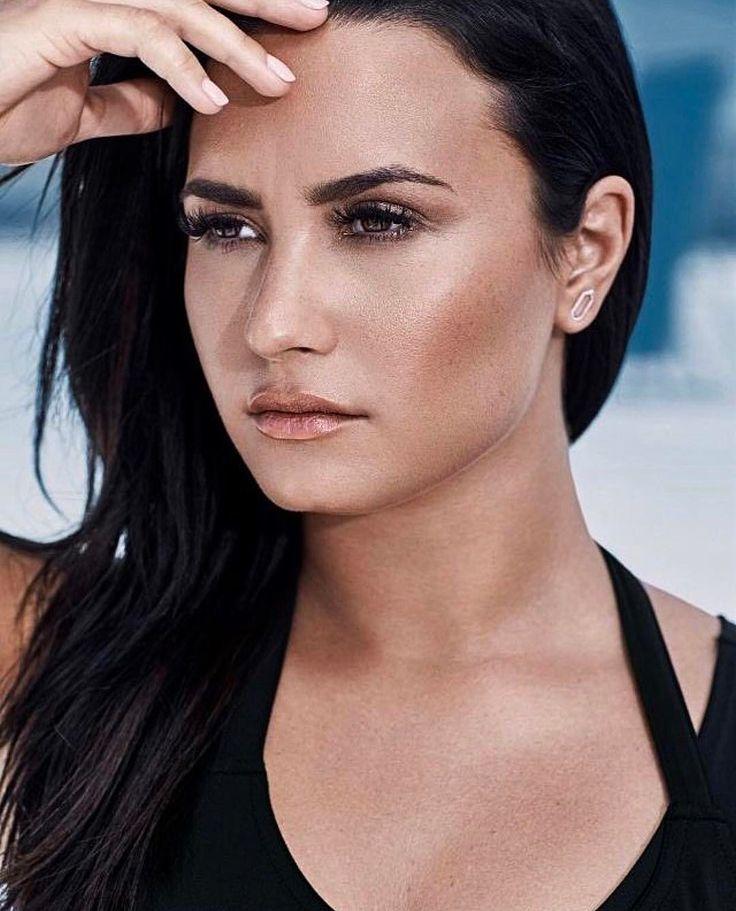 Demi Lovato's photoshoot for Fabletics