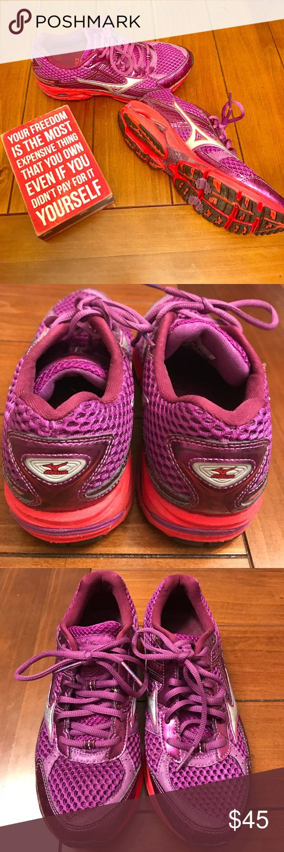 Mizuno 🏃♀️ Shoes The best running shoes! These have the cutest colors as well (maybe I'm bias as my fav color is purple!). These sneakers are designed to be better for your body while running. In excellent condition with only a handful of miles under their belt! Mizuno Shoes Athletic Shoes